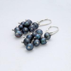 Kolczyki z czarnymi perłami